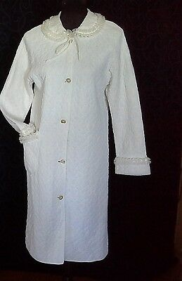 vintage dressing gown bath robe quilted white cream nylon frills retro