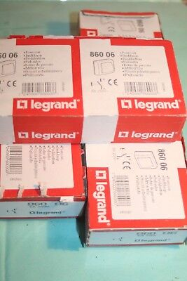 Lot de 7 Boutons poussoir oteo saillie blanc complet  legrand 860 06 86006
