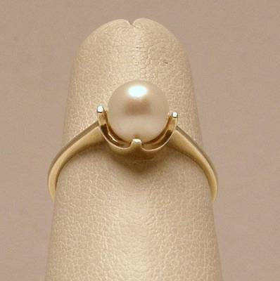 Cultured Pearl Solitaire Ring Set in 14K Yellow Gold