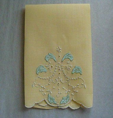 UNUSED Vtg Madeira Yellow Linen Guest Towel Hand Embroidered PRISTINE Laundered