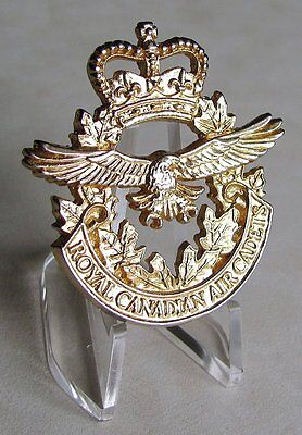 Canada The Royal Canadian Air Cadets Golden Cap Badge ( Lugs Pattern)