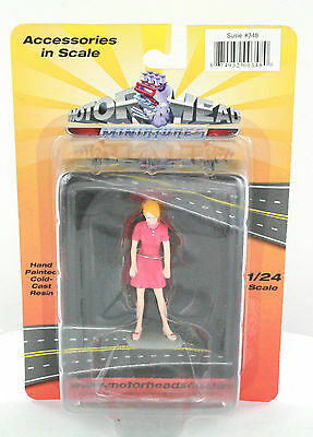 1:24 Scale Diorama Women  Figure  Susie New Sealed Great For Die-Cast Car