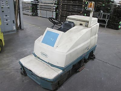 Tennant 510E Floor Scrubber Hours: 967 , Includes Charger *Chipped Charger Plug*