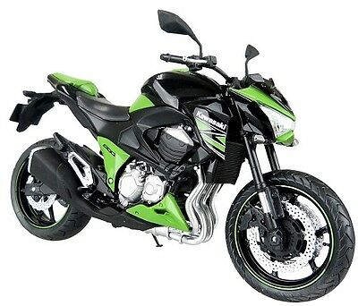 Skynet / Aoshima / Kawasaki Z800 Lime Green 2014 / 1/12 Scale Finished Model