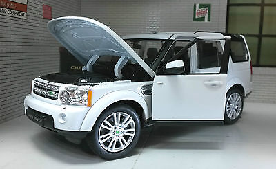 Land Rover Discovery 4 TDV6 White 2015 1:24 Scale Diecast Detailed Engine Model