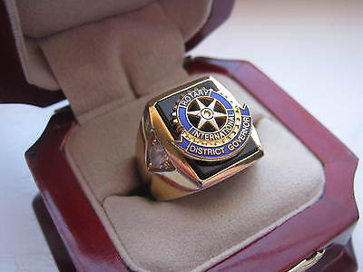 """Superb NEW! Gold Mens """"Rotary Club"""" District Governor CREST Ring"""