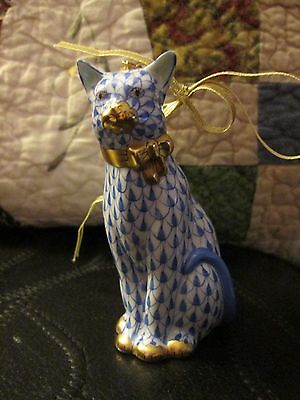 """Herend Fishnet Sitting Cat Porcelain Ornament """"blue"""" Gold First Edition Retired"""