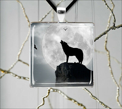 WOLF HOWLING AT THE FULL MOON NIGHT PENDANT NECKLACE -gtr4Z