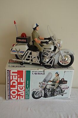 Vintage Golden Eagle Super Police Motorcycle Officer 1:6 Scale| HUNT019