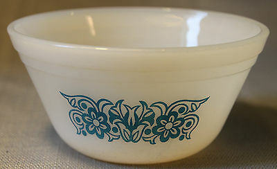 Vintage Federal Milk Glass 5 Inch Bowl ! Blue Floral Flower Pattern
