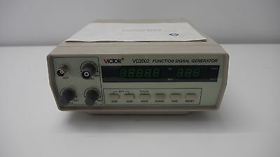 VICTOR V2002 Function Signal Generator