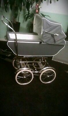 Wonda Babyhood vintage baby pram carriage