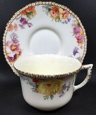 Fine China Royal Doulton English Tea Cup & Saucer With Floral Accents Gold Edges