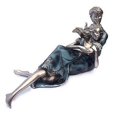 Resin Hand Painted Romantic Couple Lovers Figurine Luxury Décor Wedding Gift