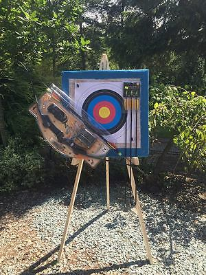 20LB    RECURVE BOW 60 x 60 straw target & stand 20 free faces 4 pins 5 arrows