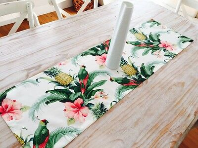 **STUNNING NEW INDOOR/OUTDOOR TOMMY BAHAMA TROPICAL TABLE RUNNER 130cm**