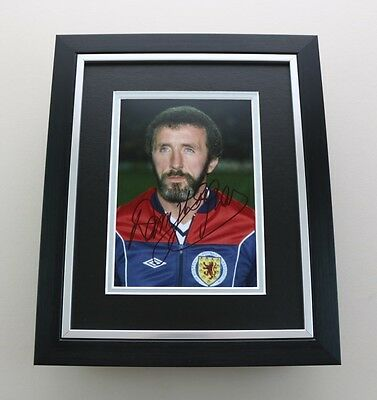 Danny McGrain Signed 10x8 Photo Framed Scotland Memorabilia Autograph Display