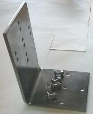 Wall bracket plus 4 nuts and bolts for Beaver RB16