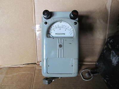 Vintage Military Megohmmeter Holtzer-Cabot AN/PSM-1A Tested w/ leads and manual