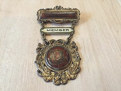 RARE Vintage Brotherhood of Carpenters and Joiners Brass Pin Member Badge