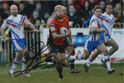 Castleford Tigers Hand Signed Oliver Holmes 6X4 Photo 2.
