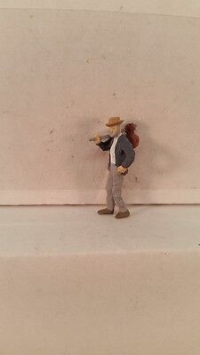 Arttista S Scale Figure 713 - Hobo Walking with Pack - People Model Trains - New
