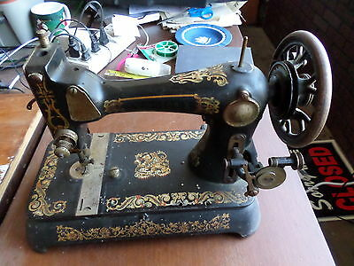 Antique Winsor B Sewing Machine, Mechanical Operation