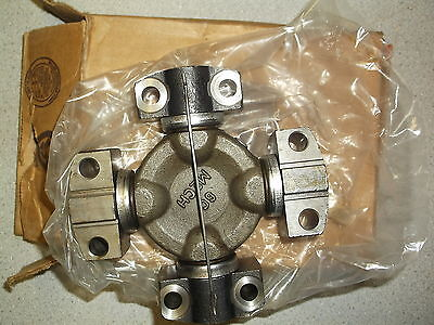 NEW John Deere AT115918 U-Joint Universal Joint 19990413DY4 *FREE SHIPPING*