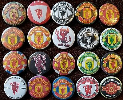 Manchester United Button Badges x 20. Man Utd.  Pins. Collector.  Bargain :0)