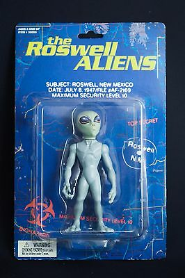 THE ROSWELL ALIENS FIGURE - 1996 - RARE Roswell UFO Sci-Fi Horror Figure