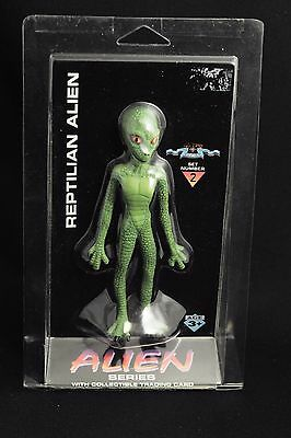 Alien Series REPTILIAN ALIEN #2 Sci-fi  area 51 official figure with card RARE