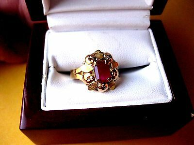 ANTIQUE VICTORIAN 18K YELLOW GOLD RING with NATURAL RUBY