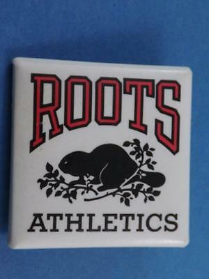 Roots Athletics Clothing Canada Beaver Vintage Button Pin Back Collector