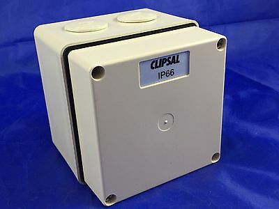 Clipsal 56JB1 Junction Box Single Gang 1 Earth 1 Neutral 3 Live 3 x 6 mm2 Grey