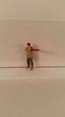 Arttista S Scale Figure 775 - Hunter with Rifle - People - Man Hunting -  New