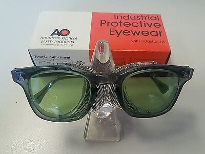 American Optical AO Sunglasses Vintage Motorcycle Eyewear Safety Green Lens NOS