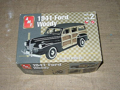 1/25 AMT 1941 Ford Woodie