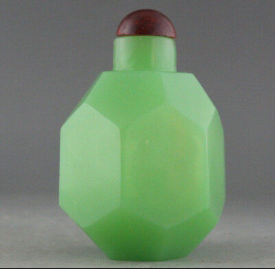 exquisite Chinese Hand made glass snuff bottle h085