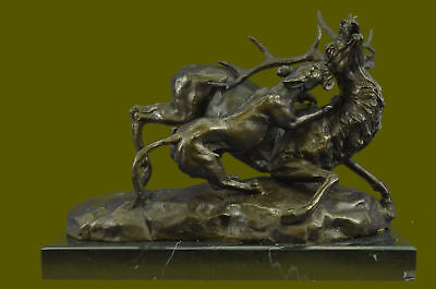 Wildlife Lion attacking Stag Bronze Museum Quality Figurine Hot Cast Home Deco
