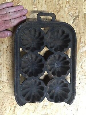 Antique Cast-Iron Baking Tray Pan Muffins Cupcakes Brownies Cast Wrought iron
