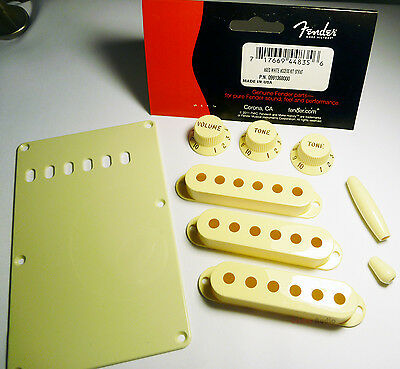 Fender Aged White Accesory Kit for Strat Guitar ; 099-1368-000