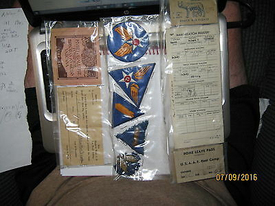1940s LOT vintage WWI MILITARY PAPERS and patches - Estate fine