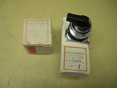 Cutler Hammer Selector Switch , 3 Position , 10250T3042 , lot of 2