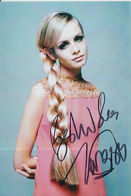 TWIGGY LAWSON HAND SIGNED 6X4 PHOTO 60s MODEL 4.