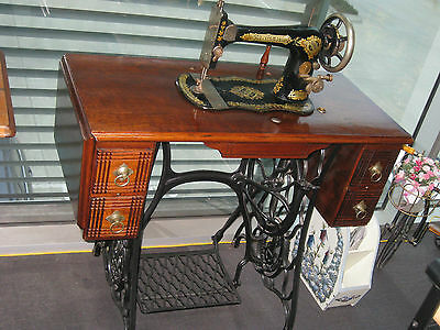 Antique 1891 Singer  Cast Iron Treadle Sewing Machine, Excellent Condition.
