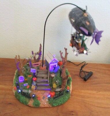Lemax Spooky Town Collection Dreaded Zeppelin 2010 Halloween