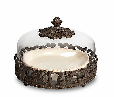 The GG Collection Acanthus Leaf Ceramic & Metal 12in D Pie Plate w/ Glass Dome