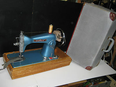 Retro Blue Color  Cast Iron Hand Crank  Sewing Machine With Caary Case. Jap Made