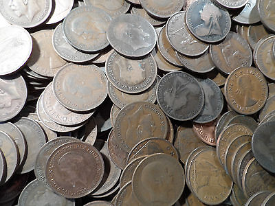 200 copper Pennies coins From 1895-1967 200 coins in this bulk lot very old