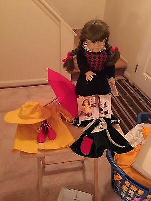 American Girl Pleasant Company Molly with Lot EUC Perfect Chrismas Gift